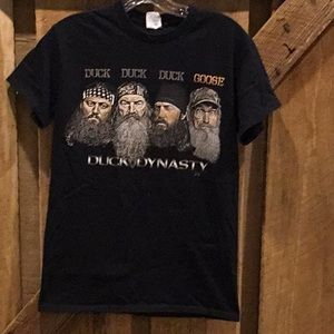 Duck Dynasty tee Small unisex